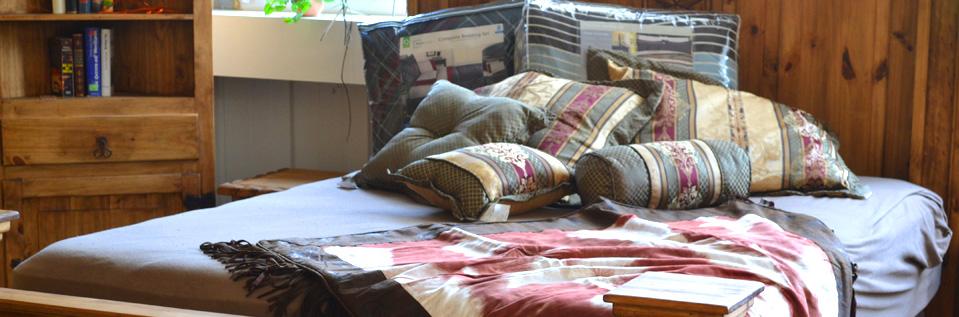 amerikanische westernm bel schlafzimmer massivholz schlafzimmerm beln landhausbett. Black Bedroom Furniture Sets. Home Design Ideas